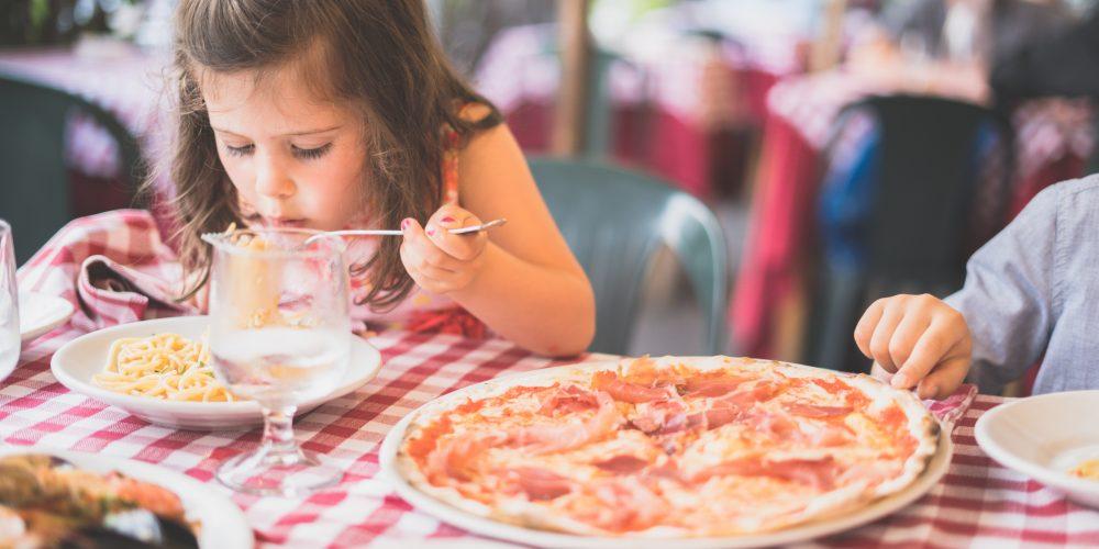 Ønsker du ikke at smøre madpakke hver morgen? Skolemad ordner det for dig!